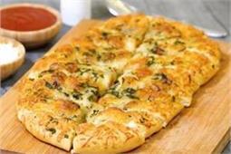 घर पर बनाएं लहसुन Cheese Bread