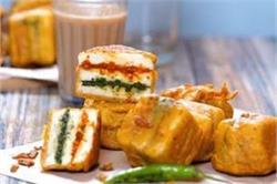 शाम की चाय के साथ बनाएं पनीर सैंडविच पकौड़ा