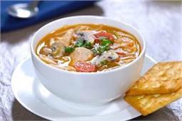 हरी सब्जियों के साथ बनाएं स्पैशल नॉन-वेज सूप Thupka