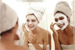 पार्टी में जाने से पहले सिर्फ 20 मिनट के लिए लगाएं यह Mask
