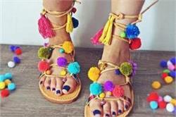 गर्मियों के हिसाब से चुनें Comfortable Shoes