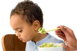 बच्चा खाना खाते समय करता है आना-कानी तो पहले जान लें ये 5 बातें