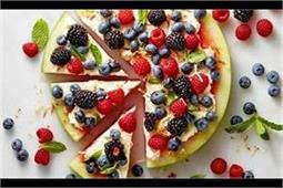 गर्मी से राहत दिलाएं Watermelon Pizza