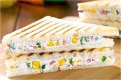 ब्रेकफास्ट में बनाएं Curd Sandwich