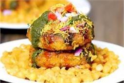 स्पाइसी खाने का मन है तो झट से तैयार करें Ragda Patties