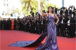 Cannes 2018: डीप क्लीवेज नेक गाउन में एेश्वर्या ने लगाया हॉटनेस का तड़का