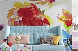 घर को देना है वाइब्रेंट लुक तो दीवारों को दें Floral टच
