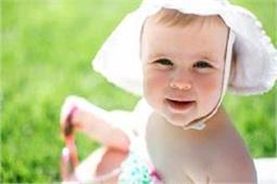 गर्मियों में बच्चों को स्वस्थ रखने के लिए कुछ इस तरह करें देखभाल