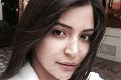 नो-मेकअप लुक में भी खूबसूरत दिखती है नैचुरल ब्यूटी अनुष्का शर्मा