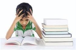बच्चों में सीखने-पढ़ने की समस्या है डिस्लेक्सिया रोग, जानें इसके लक्षण