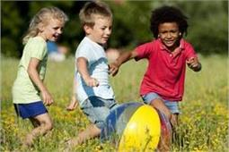 हद से ज्यादा एक्टिव बच्चों को कंट्रोल करने के लिए अपनाएं ये 5 तरीके