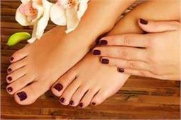 पैरों की खूबसूरती बढ़ाने के लिए ट्राई करें यह Homemade Pedicure