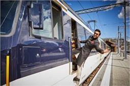 इस खूबसूरत देश में शुरू हुई रणवीर के नाम की Train, आप भी लें राइड का मजा