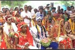 अपनी बेटी के साथ 7 दलित लड़कियों की शादी करवा पिता ने कायम की मिसाल