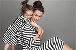 Mother Day: बच्चों के साथ स्पैशल दिखने के लिए ट्राई करें ये ड्रैसेज