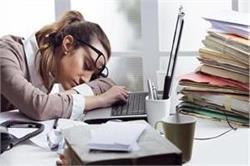 भरपूर नींद लेने के बाद भी रहती है थकान तो करें ये काम