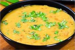 लंच या डिनर में बनाएं Tomato Dal