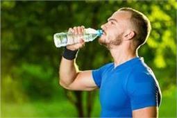 किडनी के लिए पानी का ज्यादा सेवन अच्छा है या बुरा