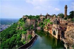 भारत के 5 मशहूर किले, खाली समय में जरूर जाएं यहां