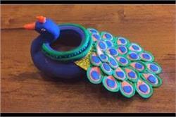 बच्चे को क्ले की मदद से बनाना सिखाएं Peacock Clay Pot