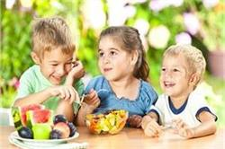 बच्चों की हड्डियां मजबूत बनाने के लिए रोजाना खिलाएं ये आहार