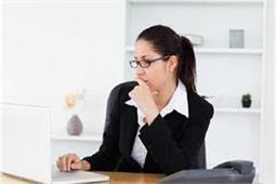 लंबे समय तक बैठी रहने वाली महिलाओं को हो सकती है यह प्रॉब्लम