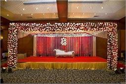 शादी की Stage Decoration के लिए यहां से ले आइडिया