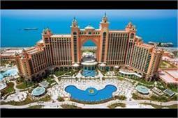 दुबई घूमने जा रहे हैं तो आबू धाबी की ये जगहें देखना भी न भूलें