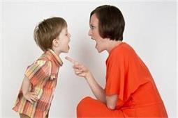 अगर बच्चा लड़ाता है आपसे जबान तो अपनाएं ये 5 टिप्स