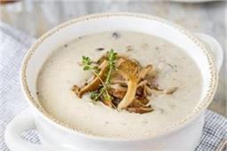 बारिश के मौसम में बनाकर पीएं टेस्टी-टेस्टी Creamy Mushroom Soup