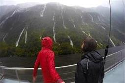 Couple Special: मानसून में पार्टनर के साथ इन जगहों पर उठाएं बारिश का सुहावना लुत्फ