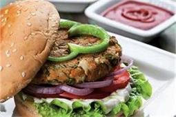 सिंपल नहीं, बच्चों को अलग तरीके से बनाकर खिलाएं Vegetable Burger