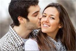 रिश्ते में नजदीकियां बढ़ाने के साथ-साथ Facial Kiss के हैं और भी कई फायदे