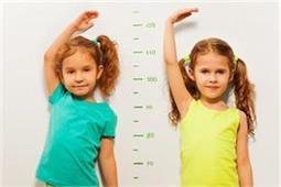 बच्चों की हाइट बढ़ाने के खिलाएं ये फूड्स, महीने में दिखेगा फर्क