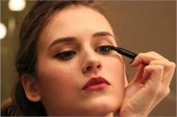 आपकी आंखों को नुकसान पहुंचा सकता है आईलाइनर, इन 5 बातों पर करें गौर