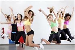 मोटापा तेजी से करना है कम तो रोजाना करें यह डांस