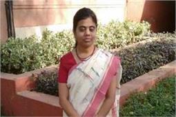 देश की वो महिला IAS ऑफिसर, जिनकी नेत्रहीनता भी नहीं रोक पाई उनकी उड़ान
