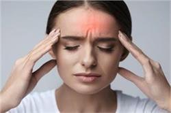 सिर दर्द से सिर्फ 5 मिनट में पाना है छुटकारा तो अपनाएं ये घरेलू टिप्स