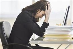 सावधान! महिलाओं की सेहत को नुकसान पहुंचाता है लगातार बैठना