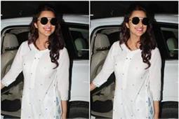 बहन प्रियंका के लिए परिणीति ने छोड़ी शूटिंग, मुंबई एयरपोर्ट पर हुई स्पॉट