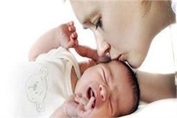 शिशु के पेट में बन रही है गैस तो क्या करें ?