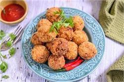 शाम की चाय के साथ बनाएं क्रिस्पी एंड स्पाइसी Potato Suji Balls