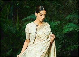 sonam kapoor unique sari style