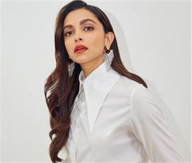 deepika classy diamond earrings are the new trend see pics