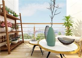 Decor Ideas: गर्मियों में यूं सजाएं अपनी Balcony, यहां...