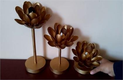 Home decor idea with plastic things
