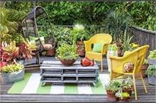 छोटा हो या बड़ा, यहां से लें Outdoor Garden के आइडियाज