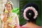 Bridal Trend: सिर्फ बालों में ही नहीं, डिफरेंट स्टाइल में वियर करें...