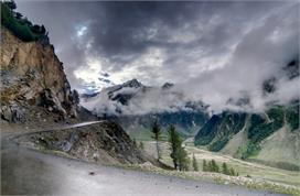 avoid to plan holiday in these hill stations during monsoon