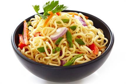 एेसे बनाएं स्वादिष्ट हक्का नूडल्स